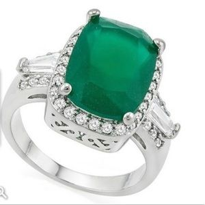 Jewelry - 9.10 ctw Emerald & white sapphire 14k w. Gold ring